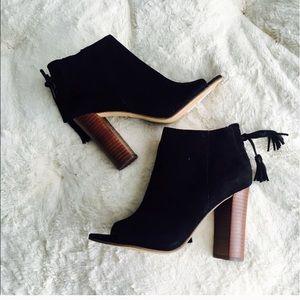 New Halogen Hawaiian-lea black suede tasseled boot